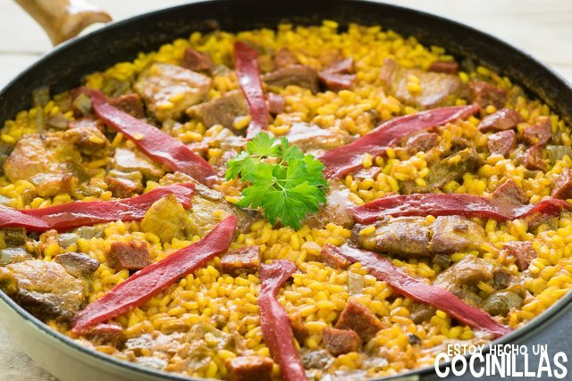 Arroz con costillas y chorizo