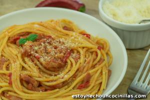 Espaguetis a la amatriciana (Spaghetti all'Amatriciana)