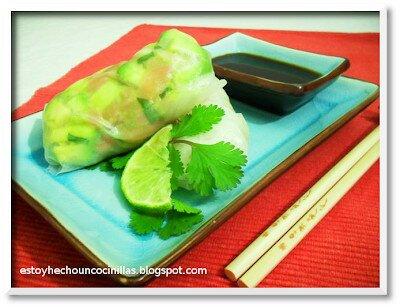 Rollitos de salmón y aguacate (cilantro y lima)