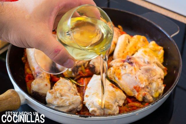 Pollo al chilindrón (vino blanco)
