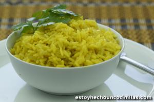 Cómo preparar arroz al curry.