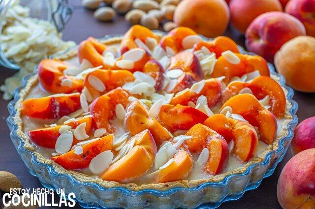 Tarta de albaricoques y almendras (antes de hornear)