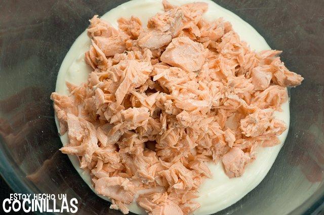 Crema de salmón para untar (desmigar el salmón)