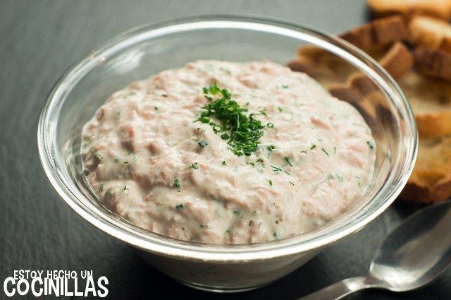 Crema de salmón para untar (canapés de salmón)