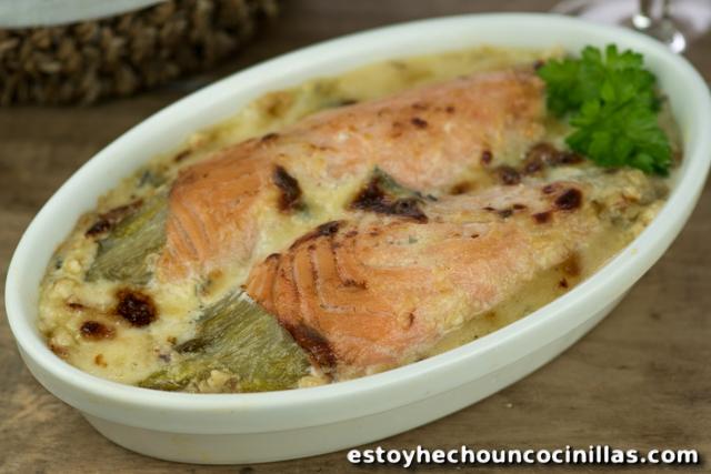 Endivias gratinadas con salmón y queso azul