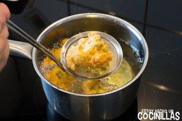 Buñuelos de bacalao (fritura sacar)