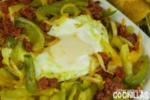 huevos_rotos_con_chorizo