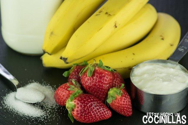 Receta de batido de yogur, plátano y fresas (o smoothie cremoso de plátano y fresa) (ingredientes)
