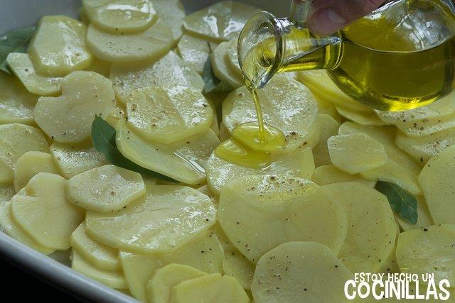 Besugo al horno sencillo (patatas)