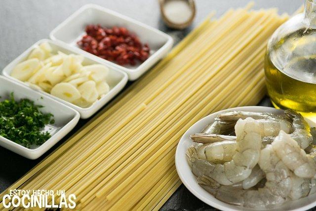 Espaguetis con gambas (ingredientes)