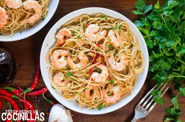 Espaguetis con gambas (receta)