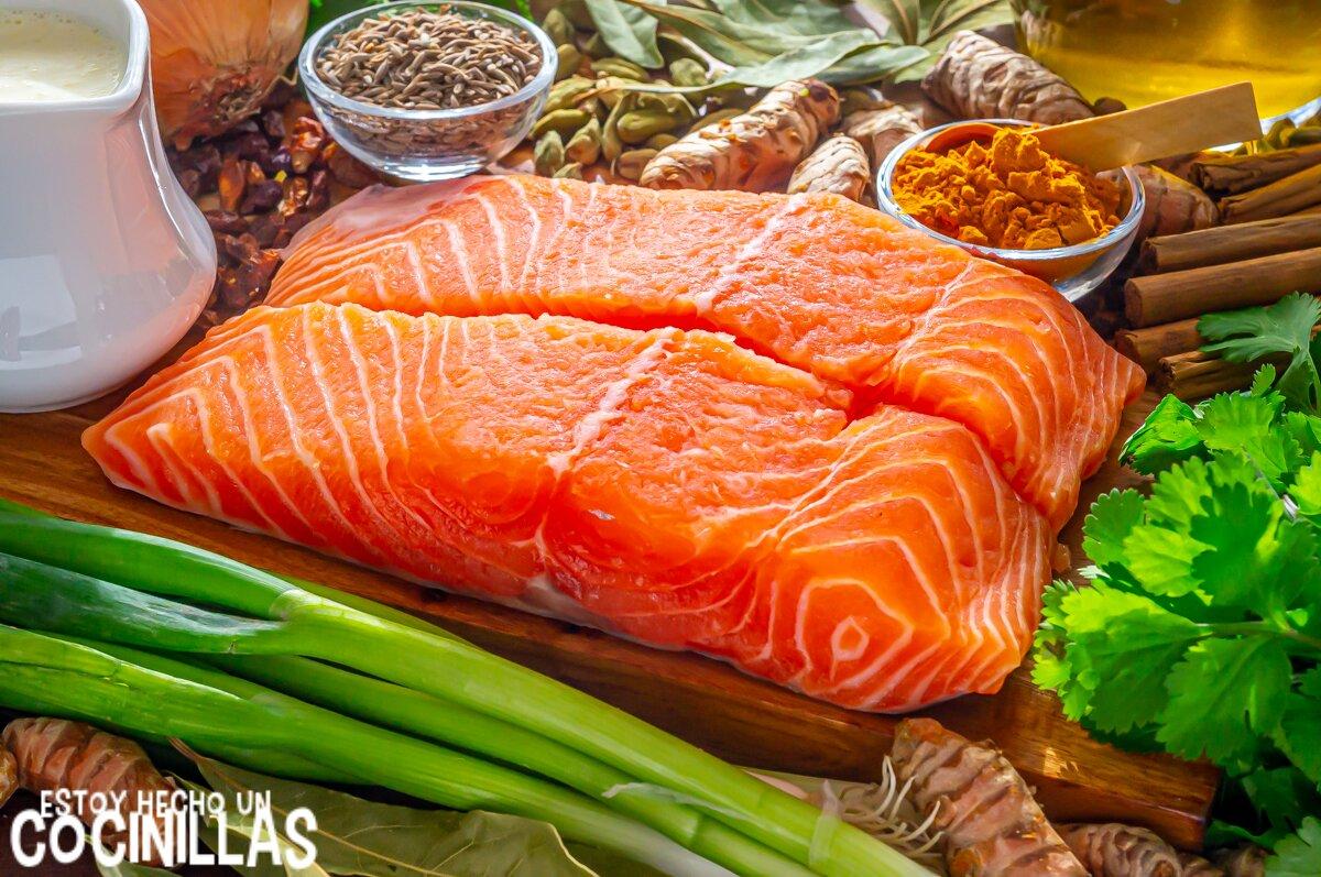 Ingredientes salmón a la plancha con salsa de cúrcuma