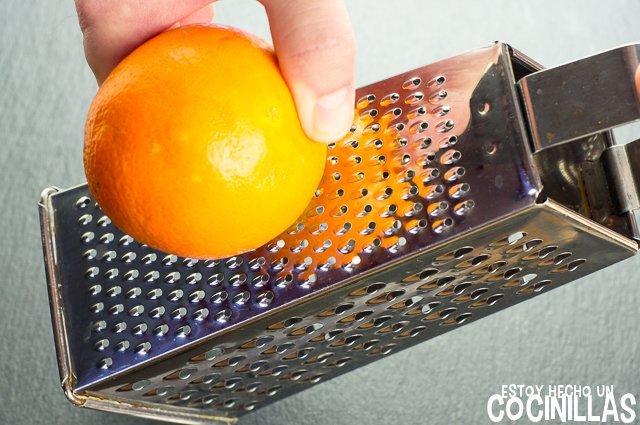Pollo a la naranja (rallar una naranja)