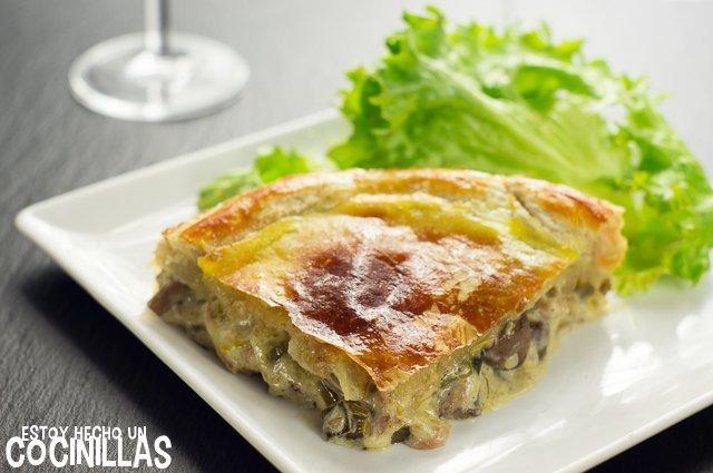 Pastel de pollo y champiñones (porción)
