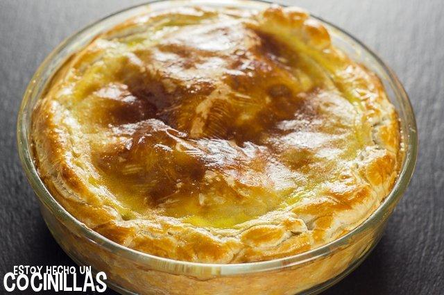 Pastel de pollo y champiñones (reposo)