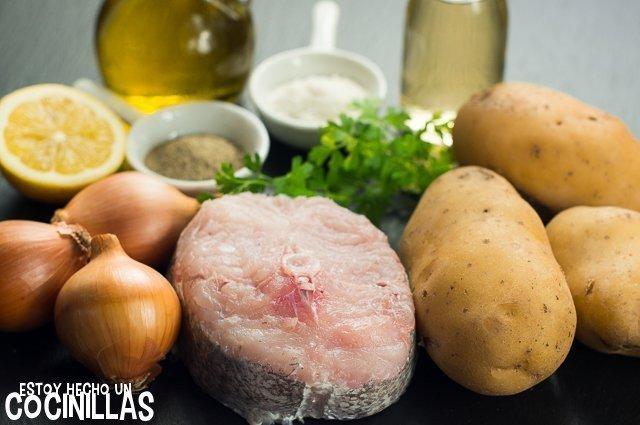 Merluza al horno con patatas panaderas (ingredientes)