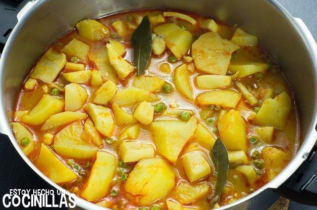Patatas con sepia