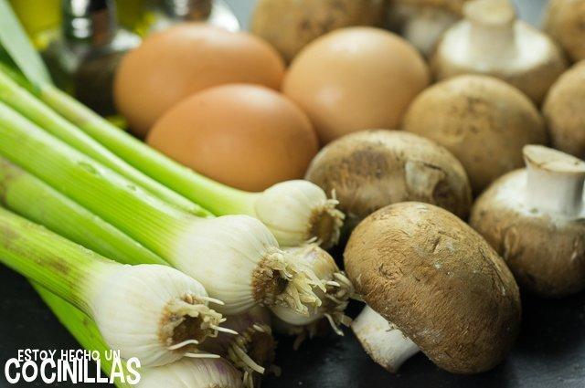 Revuelto de ajos tiernos y champiñones (ingredientes)
