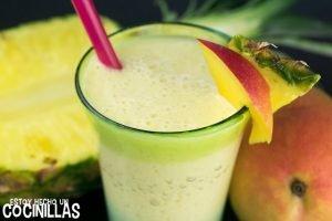 Batido de yogur, mango y piña (smoothie)
