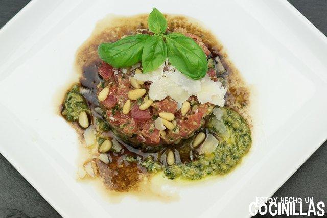 Tartar de tomate y pesto