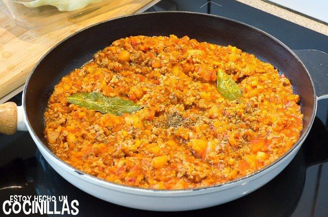 Calabaza bonetera rellena (tomate)