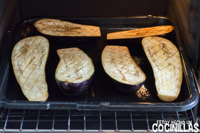 Paté de berenjena con aceitunas negras (horno)