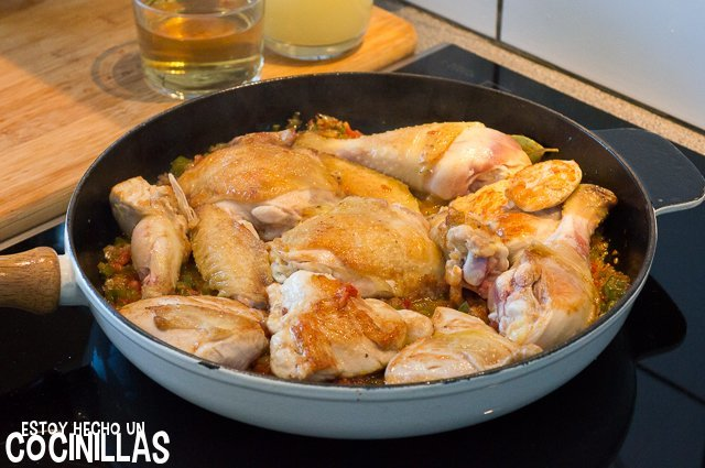 Pollo en salsa (reincorporar pollo)