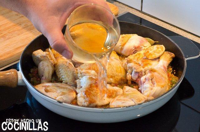 Pollo en salsa (vino blanco)