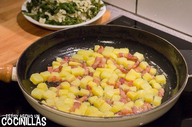 Acelgas rehogadas con patatas y panceta (agregar patatas)