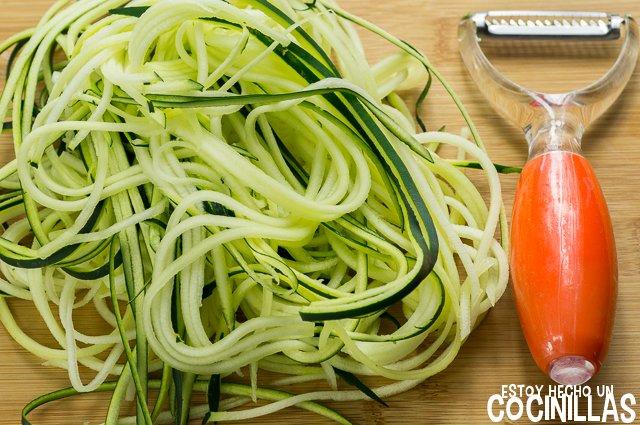 Espaguetis de calabacín con gambas (espaguetis de calabacín)