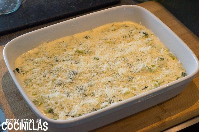 Puerros gratinados con bechamel (queso rallado)