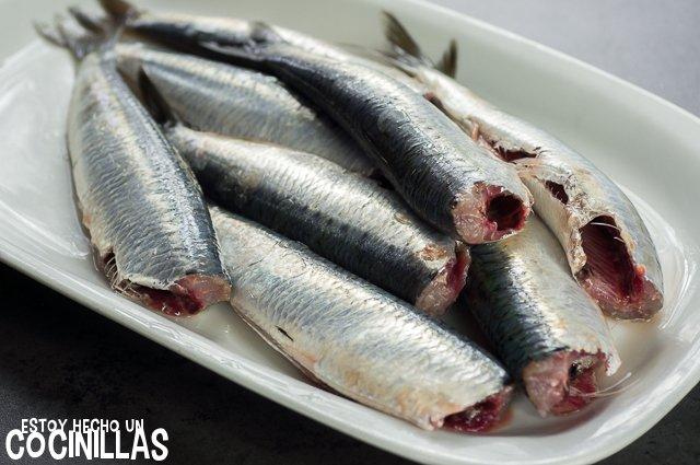 Sardinas al horno con hierbas provenzales (limpiar las sardinas)