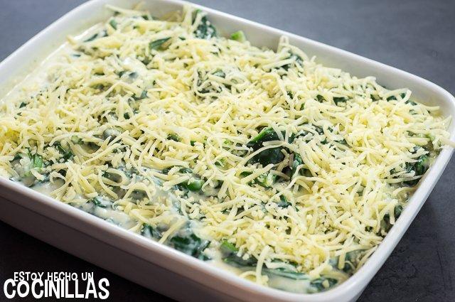 Espinacas con bechamel (queso rallado)