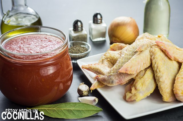 Alitas de pollo con tomate (ingredientes)