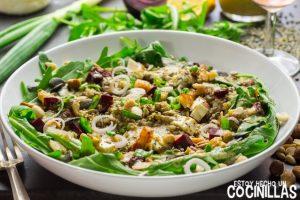 Ensalada de lentejas, quinoa y rúcula