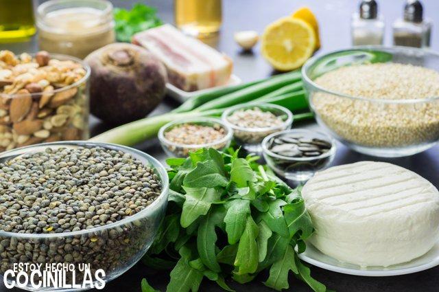 Ensalada de lentejas, quinoa y rúcula (ingredientes)