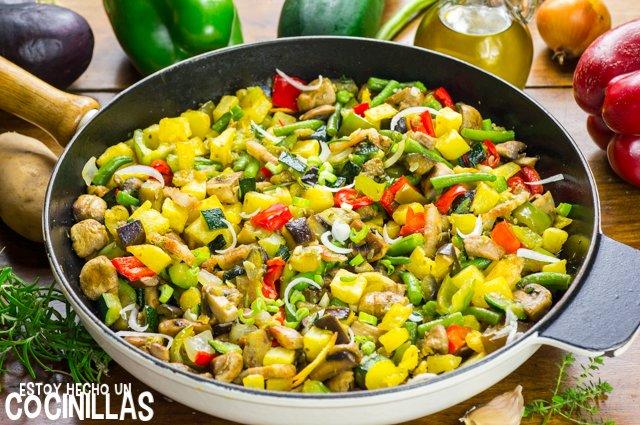 Salteado de verduras con champiñones y bacon