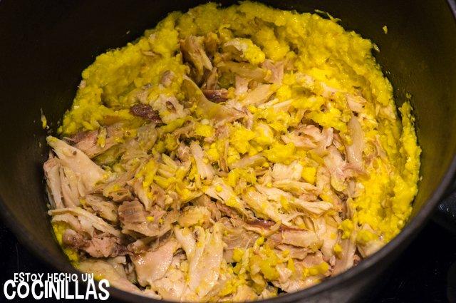 Sopa de maíz y pollo (agregar pollo)