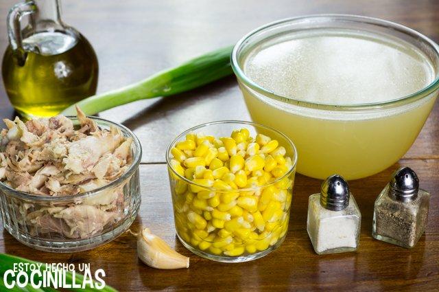 Sopa de maíz y pollo (ingredientes)