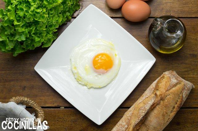 Huevo frito en microondas (receta)