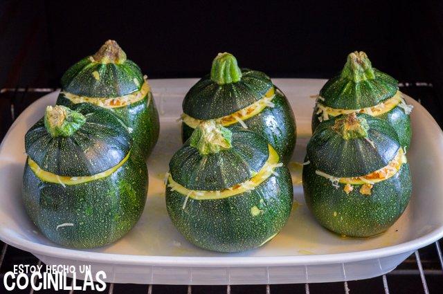 Calabacines rellenos de carne (hornear)
