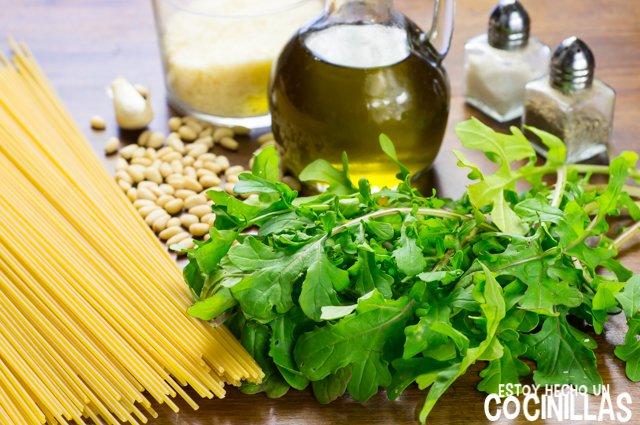Espaguetis al pesto de rúcula (ingredientes)