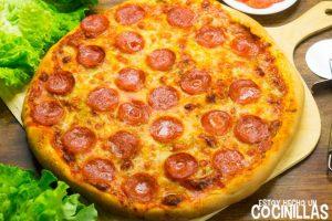 Pizza americana de pepperoni