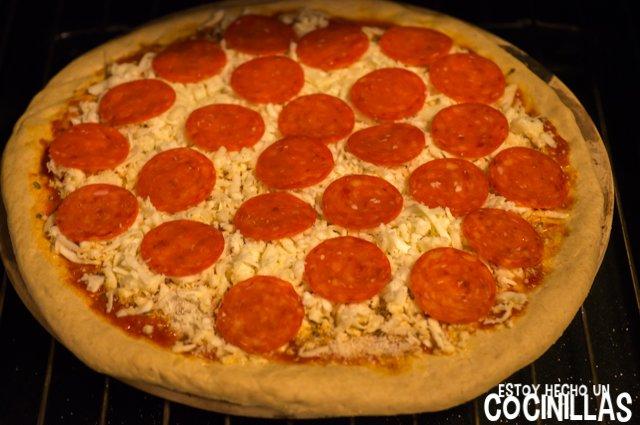 Pizza americana de pepperoni (horno)