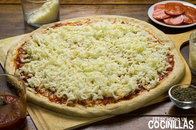 Pizza americana de pepperoni (mozzarella)