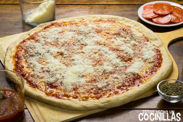 Pizza americana de pepperoni (parmesano)