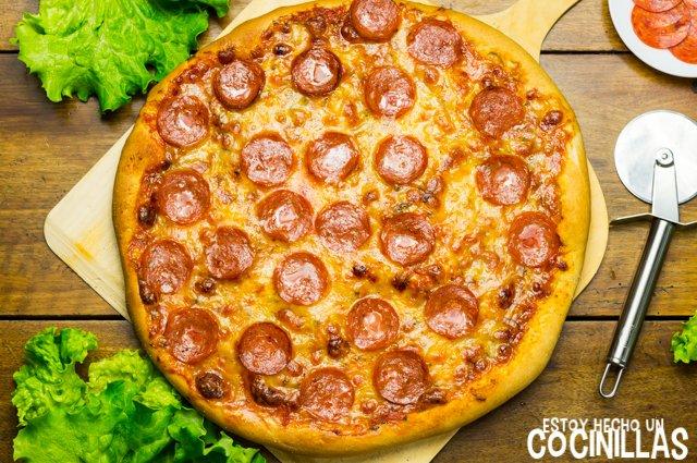 Pizza americana de pepperoni (receta)