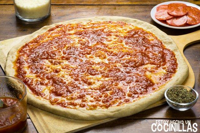 Pizza americana de pepperoni (salsa marinara)