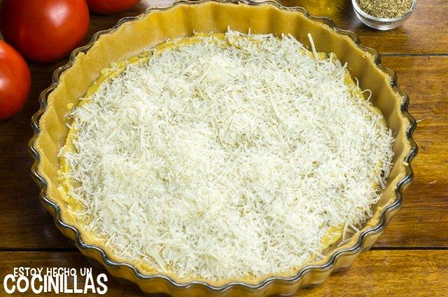 Tarta salada de tomate y mostaza (queso rallado)