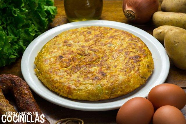tortilla de patatas con morcilla de calabaza